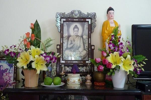 Cách cắm hoa bàn thờ cúng giỗ lễ Tết-4
