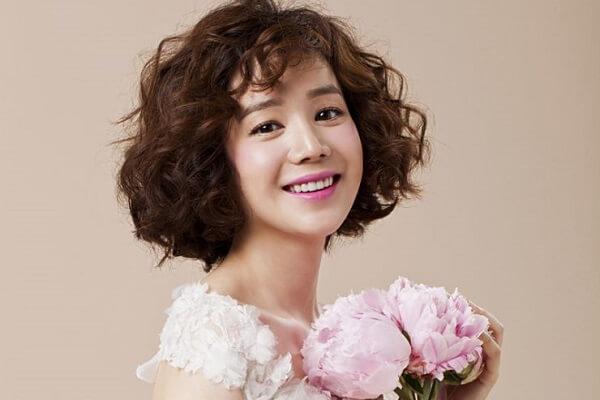 Nam nữ tóc xoăn có ý nghĩa gì trong tướng số - NgayAm.com
